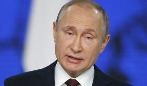 """Помощь россиянам """"выйти из жизни"""" и шутка про Крым. Юзеры высмеяли слова Путина из ежегодного обращения"""
