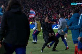 """Тренер """"Атлетіко"""" божевільно відсвяткував гол у ворота """"Ювентуса"""", а потім перепросив за це"""