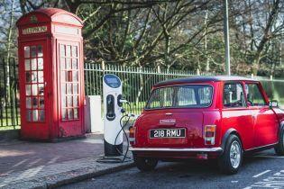 Mini випустила електрокари у кузові класичної моделі