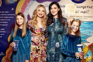 Лидия Таран и Соломия Витвицкая продемонстрировали красивые аутфиты в платьях с цветочным принтом