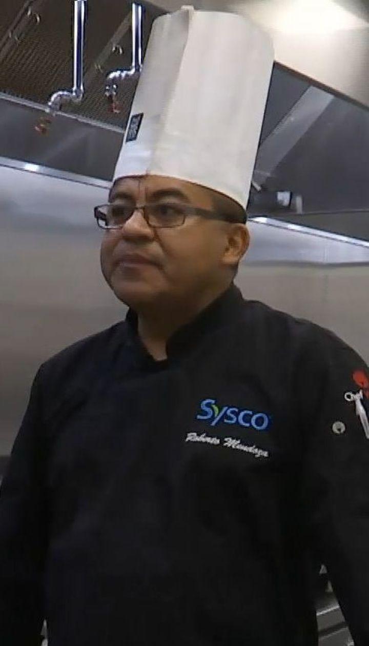 ТСН пожаловала в гости к шеф-повару Роберто Мендосы, который готовил для американских президентов