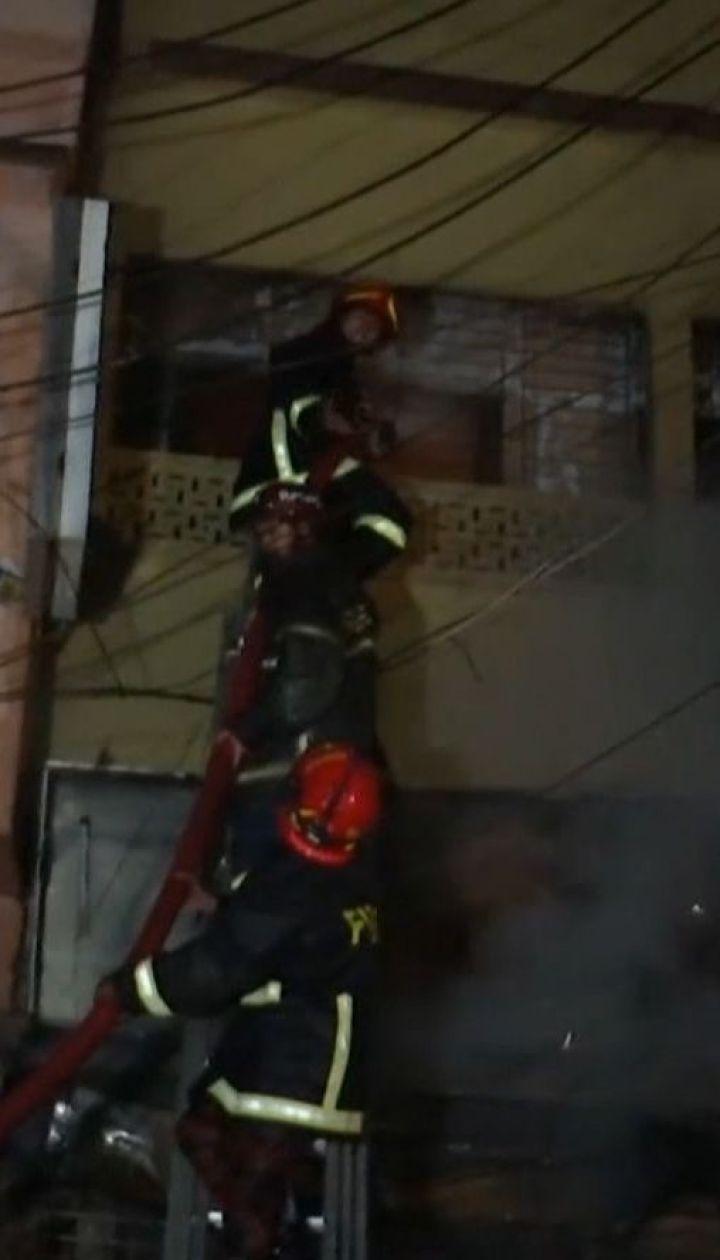 По меньшей мере 110 человек погибли во время пожара в Дакке