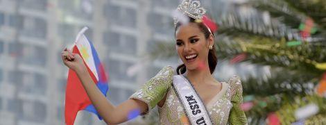 Тысячи филиппинцев устроили безумную встречу самой красивой девушке на планете