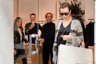 Зірка на шопінгу: Ірина Шейк підняла настрій продавцям одного з міланських бутиків