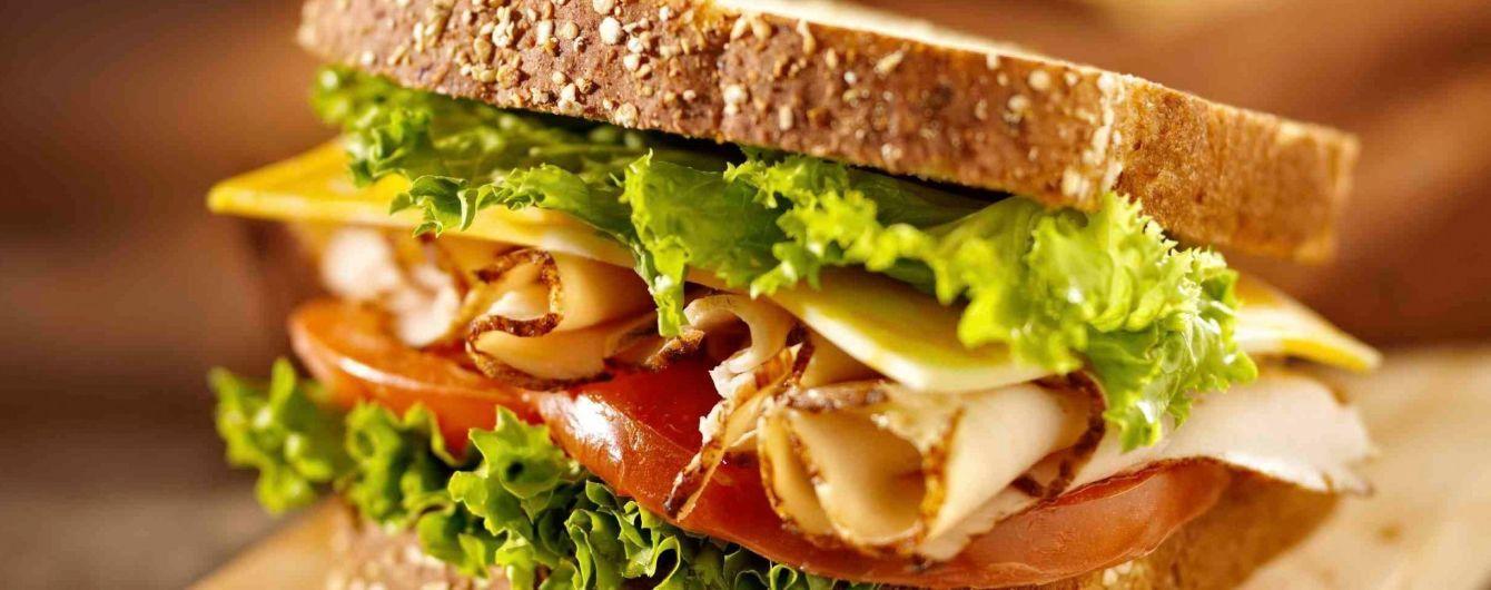За год бутерброд с колбасой подорожал на 15%