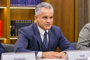 Кризис в Молдове. Лидер ранее правящей партии покинул страну