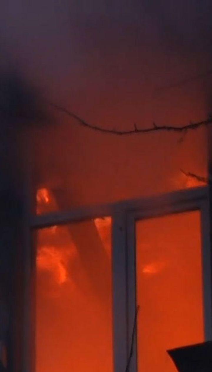 Під час пожежі на мансардному поверсі в житловому будинку Одеси пролунав вибух