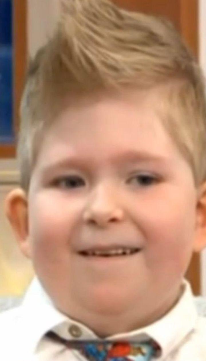 Народжений без мозку хлопчик наростив його до 78%