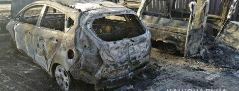 Під Києвом вночі спалили авто журналіста