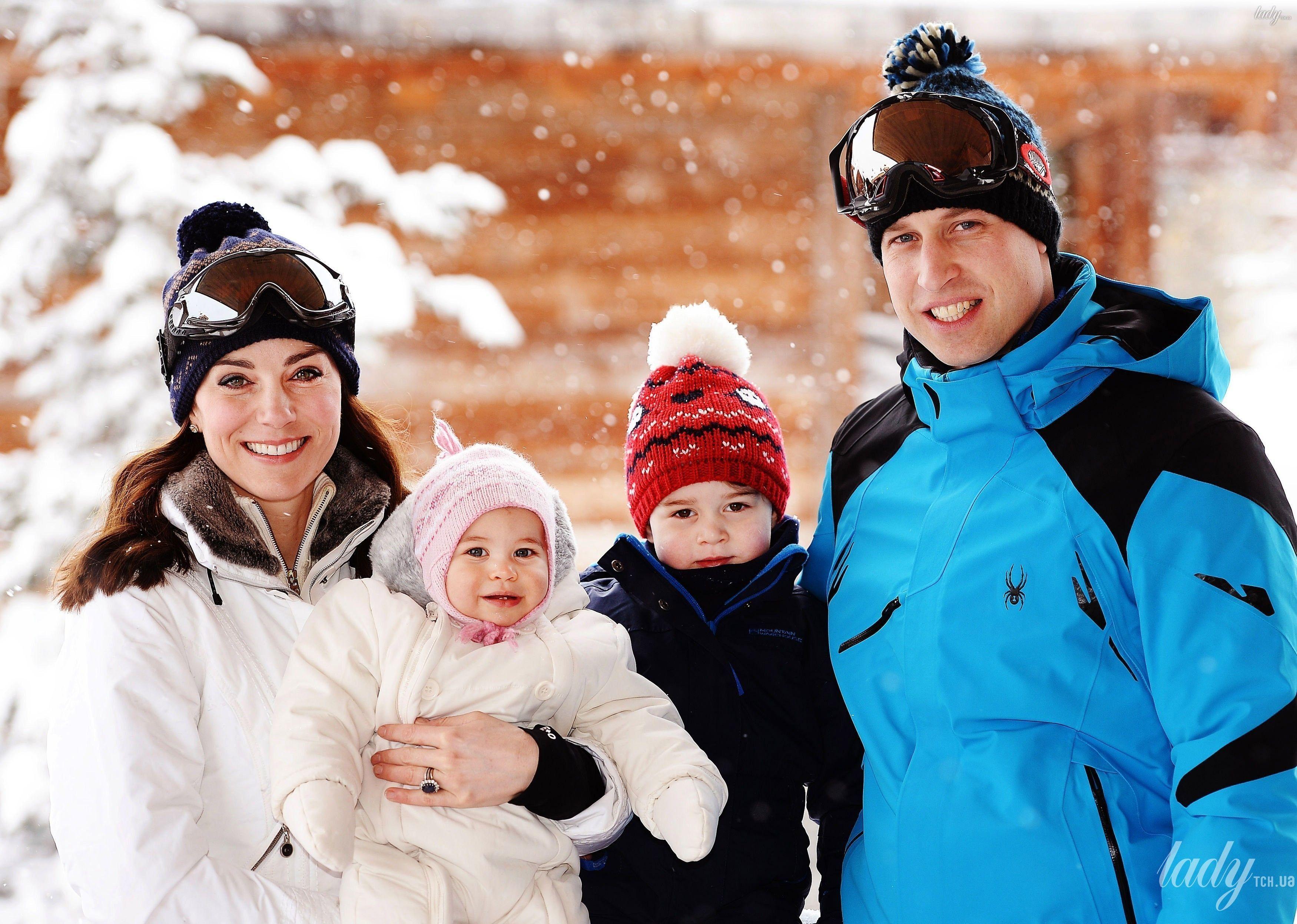 Герцогиня Кембриджская и принц Уильям с детьми