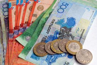 Казахстан уберет из банкнот надписи на русском языке
