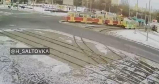 "У Харкові ""епічно"" зіткнулись трамваї"
