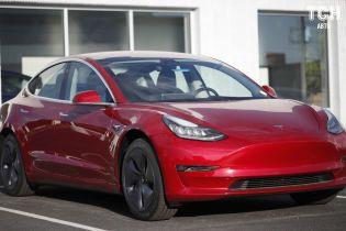 Авторитетне видання позбавило Tesla Model 3 звання надійного авто