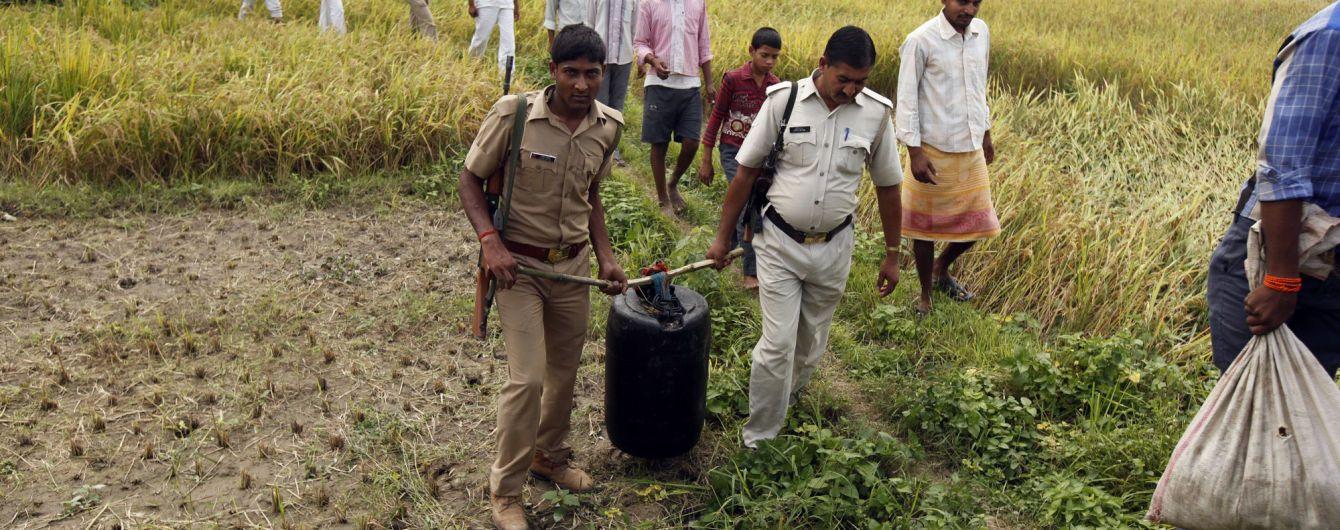 Из-за отравления алкоголем умерли уже 140 рабочих чайной плантации в Индии