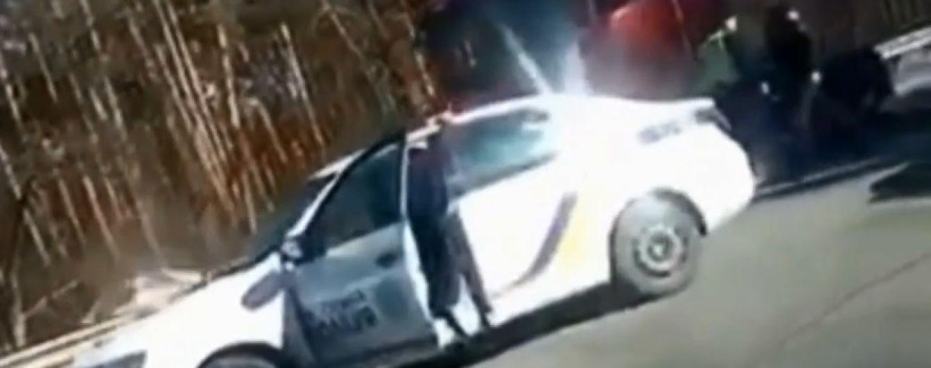 Забыл про GPS-маячок: полиция легко догнала похищенную из СТО под Киевом фуру