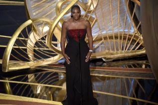 """В элегантном платье и с вдохновенной речью. Как Серена Уильямс блистала на церемонии вручения """"Оскара"""""""