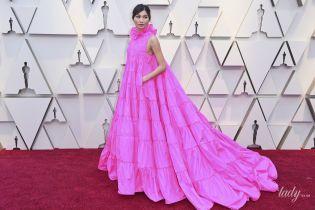 """Красная дорожка церемонии """"Оскар-2019"""": битва образов в розовых платьях"""
