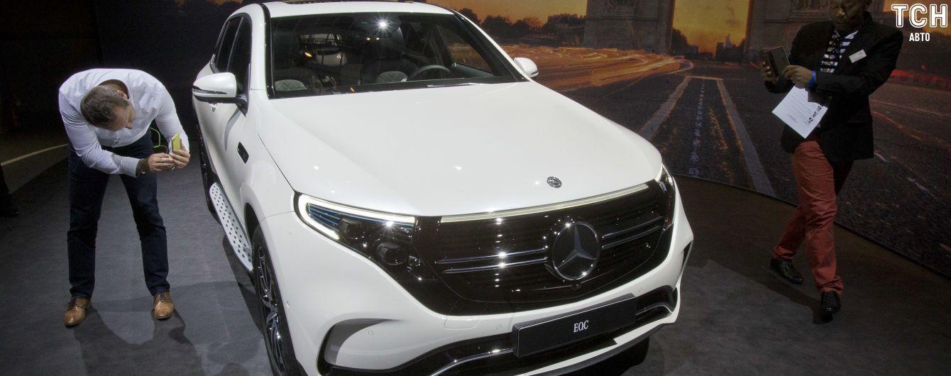 Mercedes-Benz приостановил выпуск электрокаров EQC