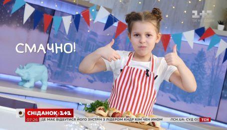 Ева готовит сосиски в тесте - Правила завтрака. Дети