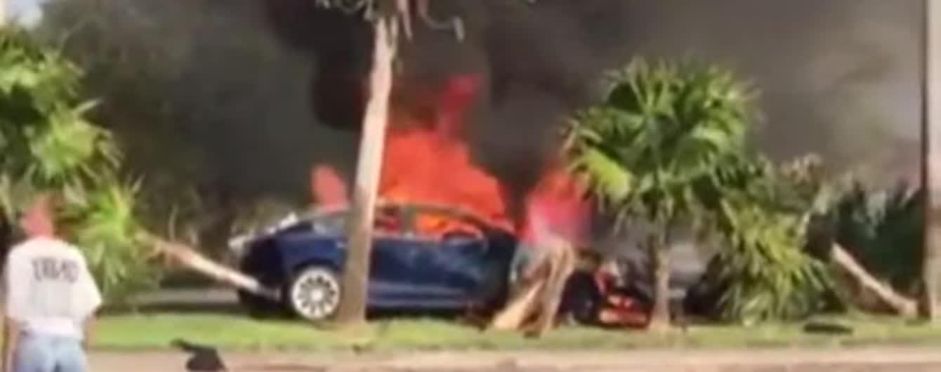 У Флориді водій Tesla загинув в охопленій вогнем автівці – свідки кажуть про фатальну несправність електрокара