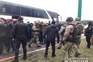 Стало известно, кем оказались задержанные на Одесчине десятки вооруженных парней