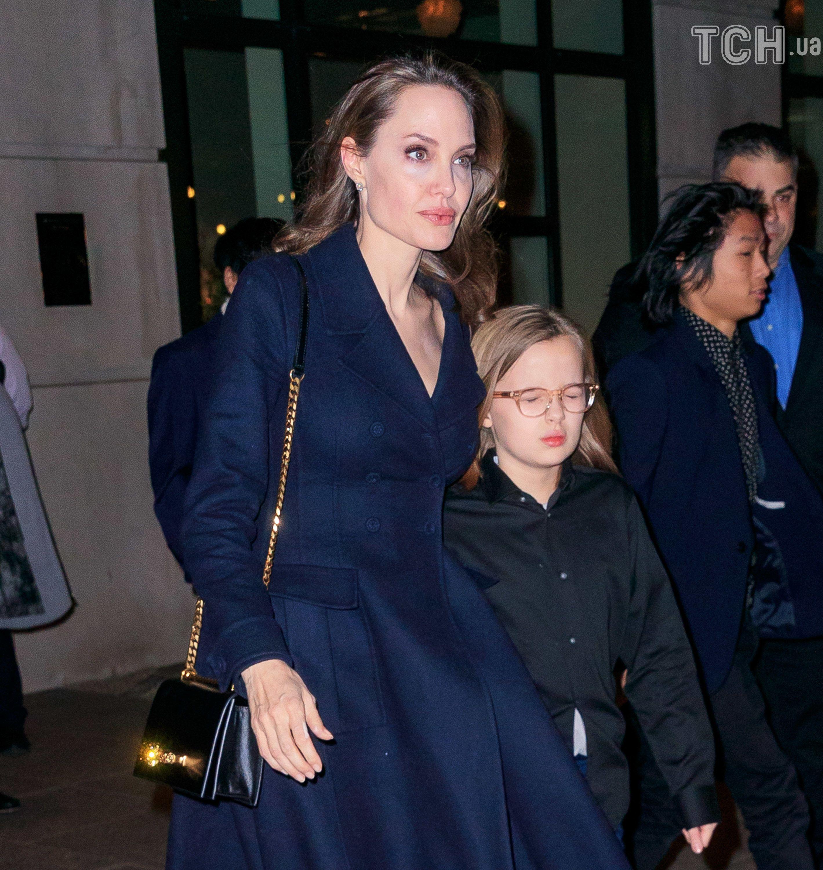 Анджеліна Джолі з дітьми_1