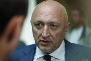 Колишній голова Полтавської ОДА позивається до Порошенка