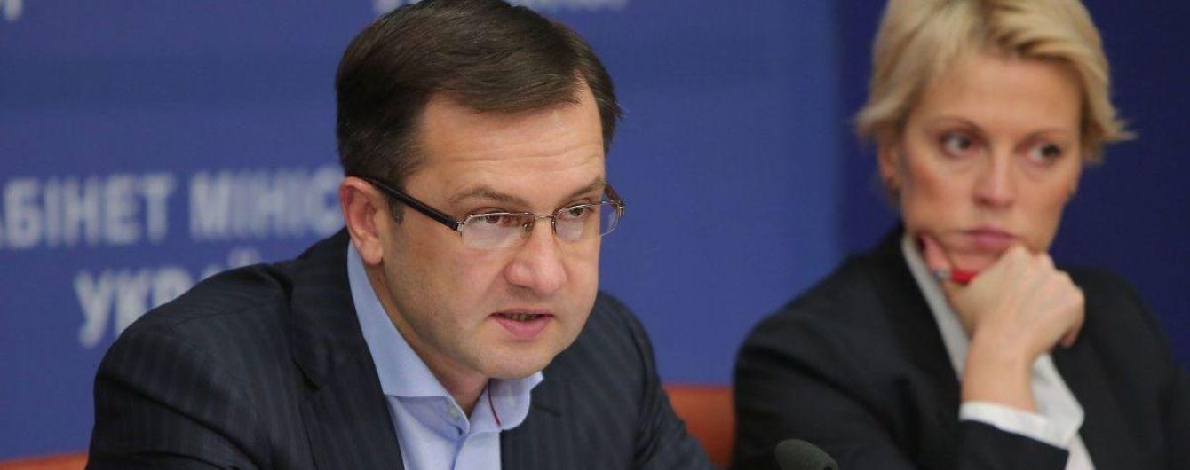 Бывший советник Порошенко и заместитель Пинзеника. Кем был ранее новый министр финансов Игорь Уманский