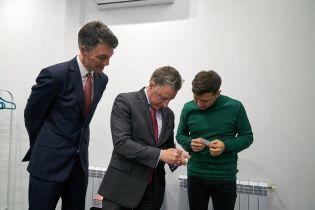 Зеленский встретился и объяснился с Волкером и Йованович