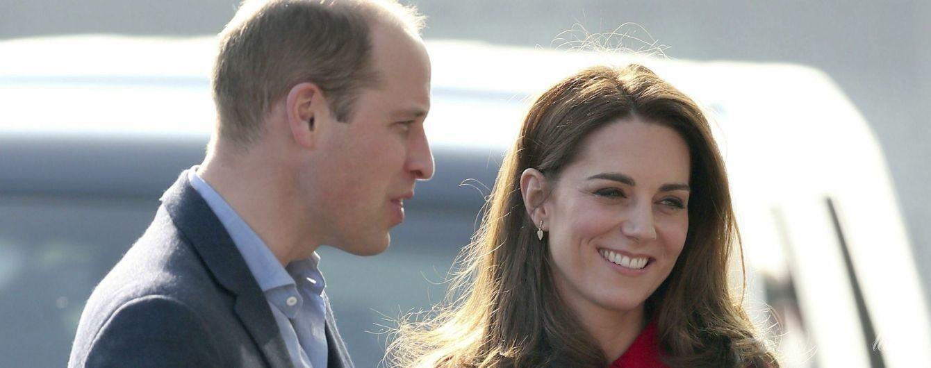 Сыграли в футбол: герцогиня Кембриджская и принц Уильям приехали с визитом в Северную Ирландию