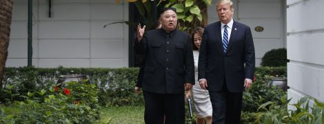 """Трамп попросив Кім Чен Ина не називати Байдена """"скаженим собакою"""""""