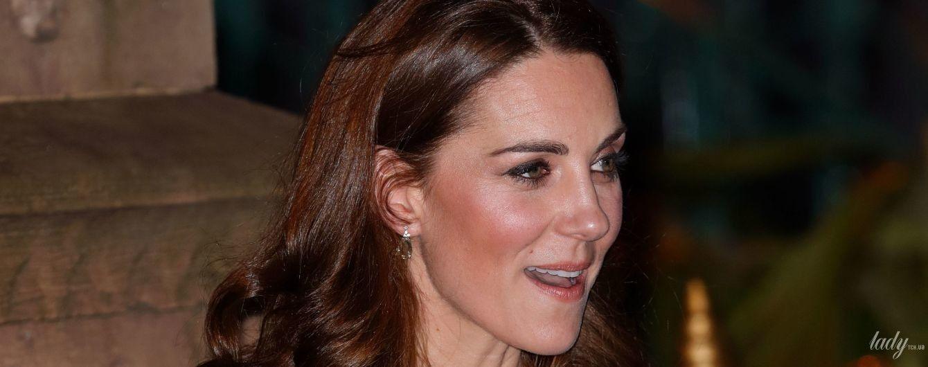 В вечернем платье и на шпильках: герцогиня Кембриджская с принцем Уильямом посетили торжественный прием