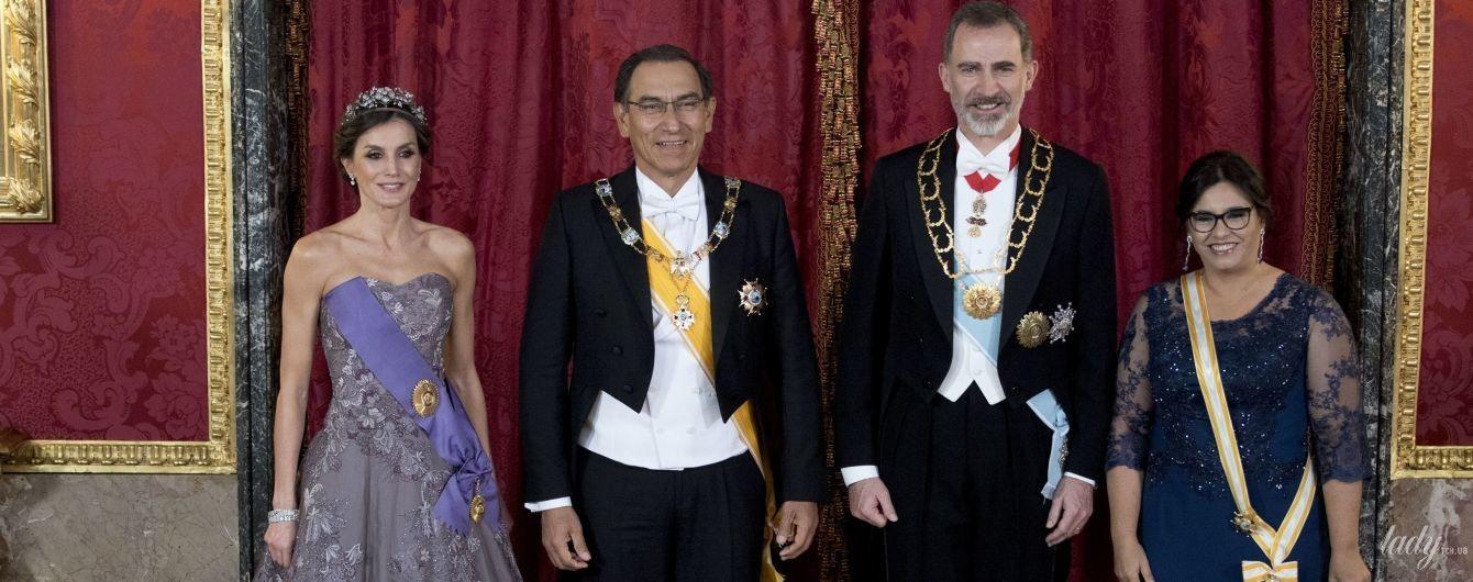 В тиаре и роскошном платье: королева Летиция на торжественном приеме во дворце
