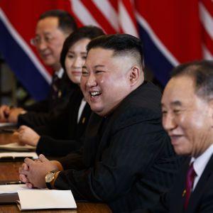 Російські ЗМІ назвали дату і місце зустрічі Путіна і Кім Чен Ина