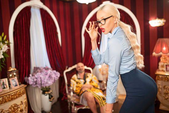 Оля Полякова приміряла роль першої леді країни