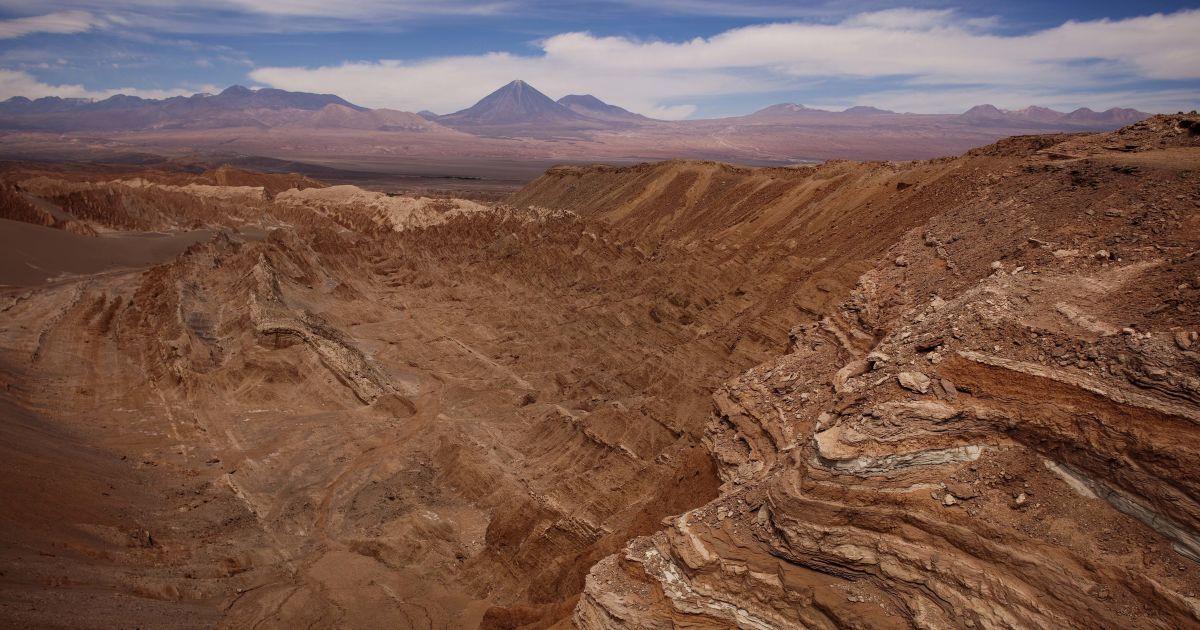 Ключ к поиску внеземной жизни. NASA обнаружило странные бактерии в пустыне, похожей на Марс