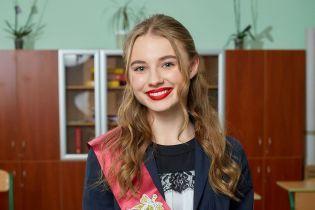"""Звезда сериала """"Школа"""" Лиза Василенко призналась, что была жертвой буллинга в школе"""