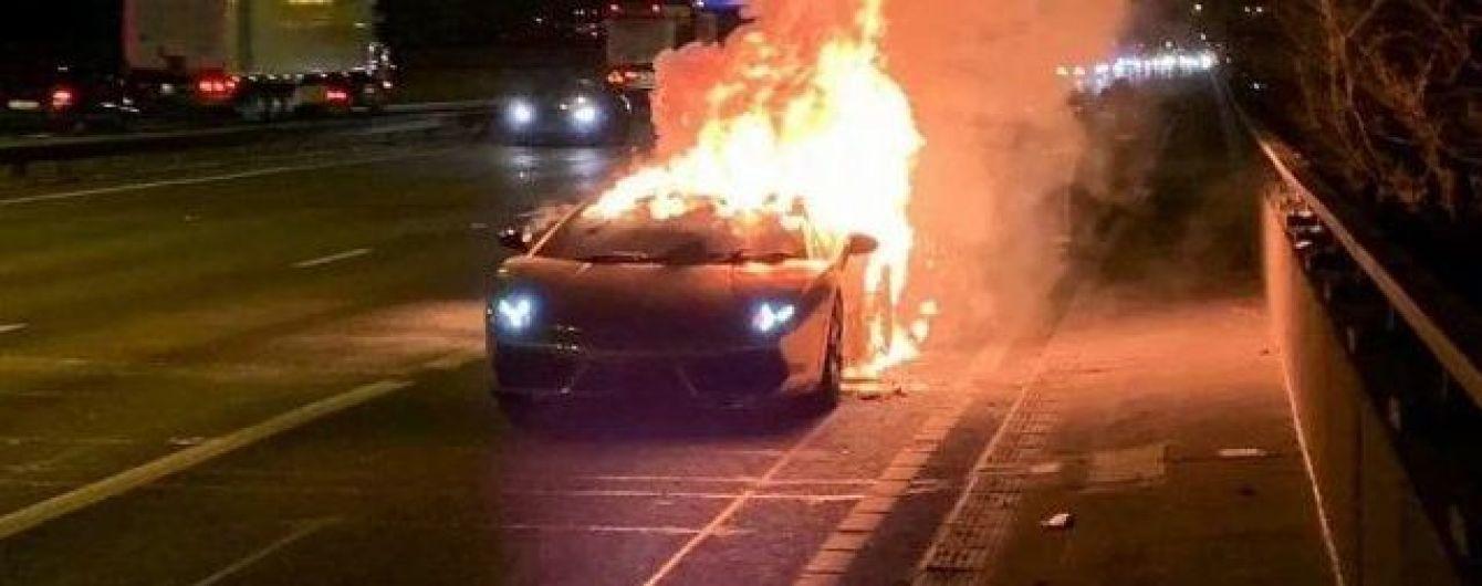 В Англії побачення на Lamborghini закінчилося вибухом