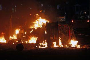 У столиці Сомалі потужний вибух біля готелю вбив 25 людей