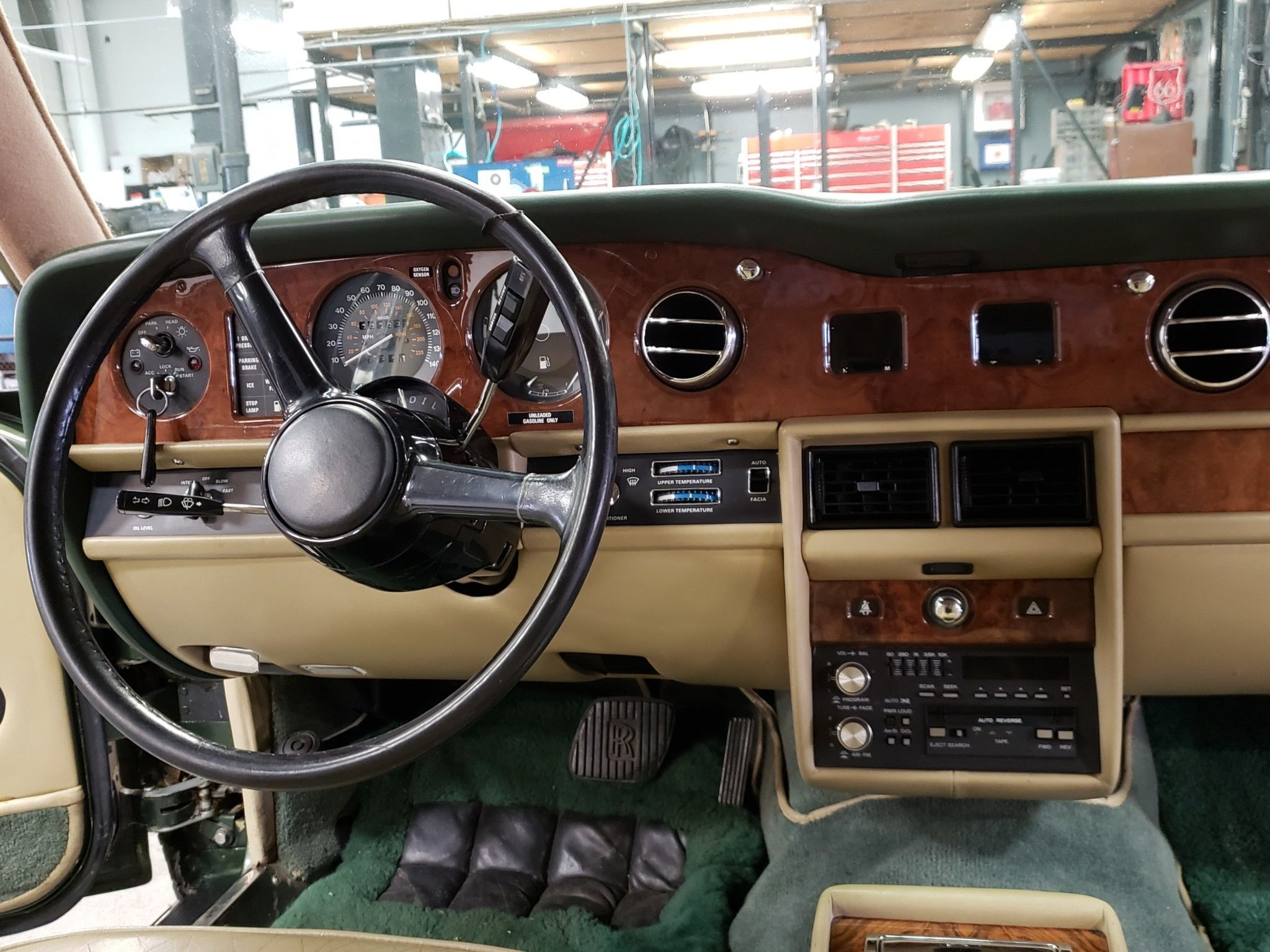 Rolls-Royce Silver Spur_1