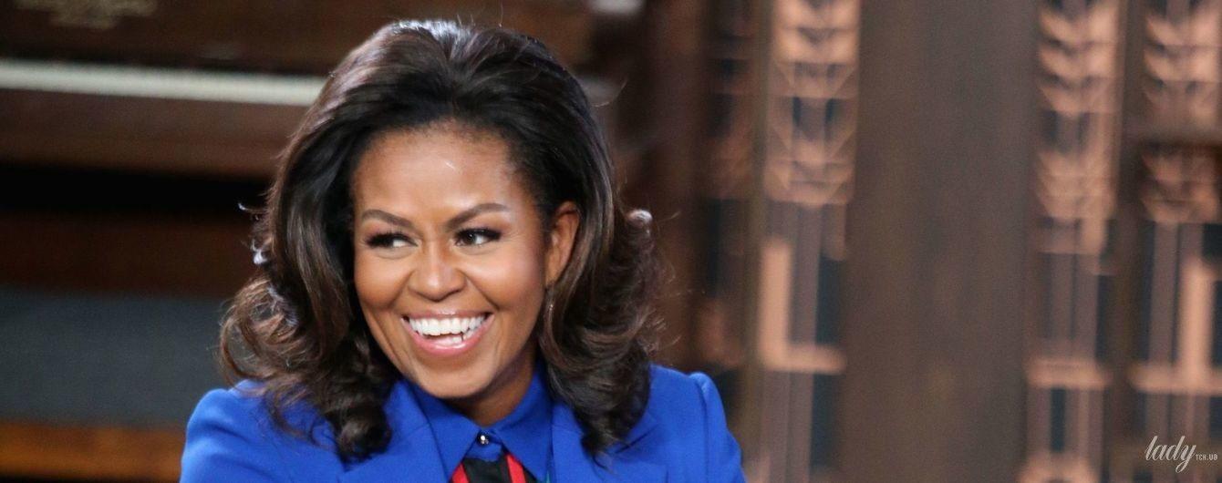 Как всегда, великолепная: Мишель Обама в ярком костюме продемонстрировала стильный лук