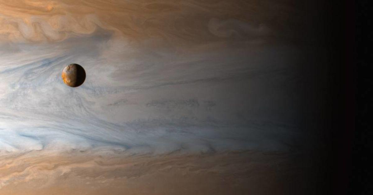 Супутник Юпітера Іо, який сфотографував космічний апарат Cassini, запущений 1997 року.