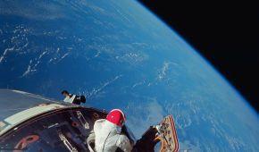Історичні моменти і безстрашні місії: NASA опублікувало архів приголомшливих фото