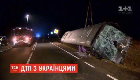 В Польше в лобовое стекло автобуса с украинцами попало колесо встречного грузовика