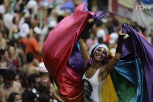 В Рио стартует главный карнавал года