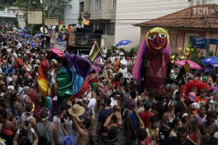 В Рио-де-Жанейро начался зрелищный бразильский карнавал