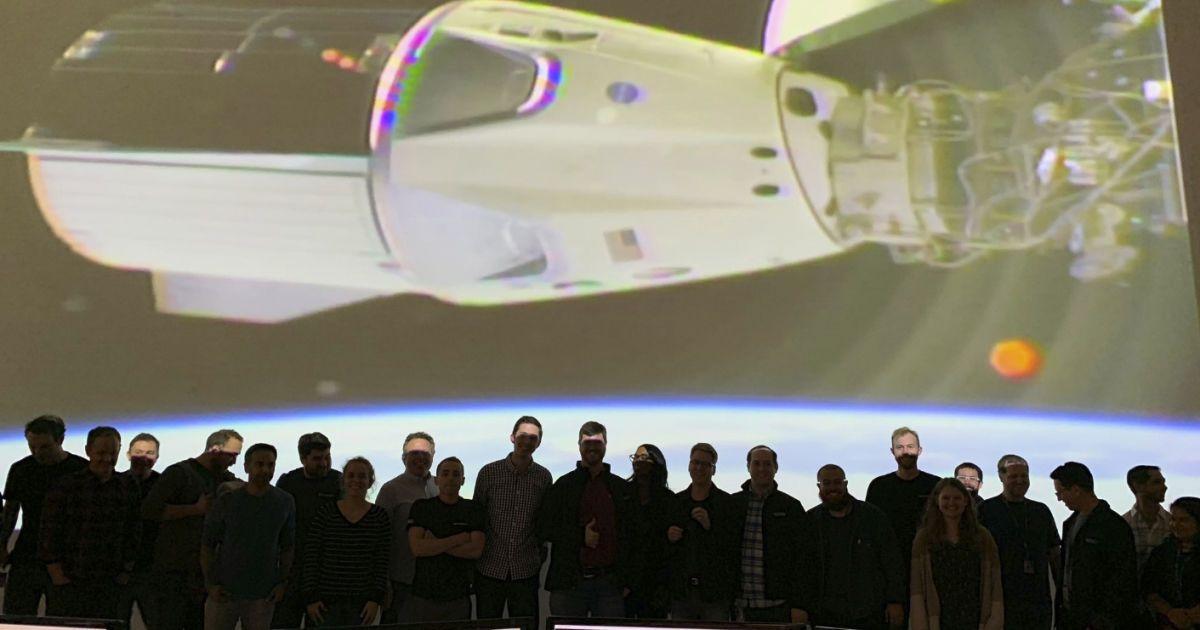 Космический корабль Crew Dragon совершил стыковку с МКС