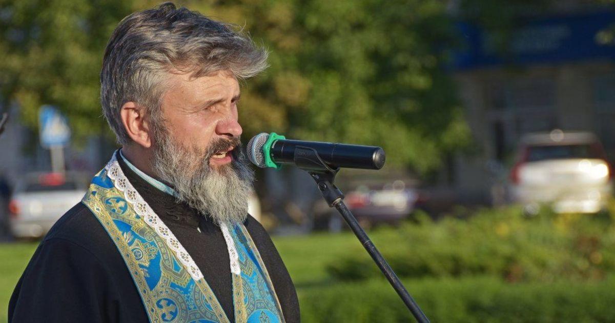 """Архієпископу Клименту хочуть """"пришити"""" хуліганство за начебто нецензурну лайку"""