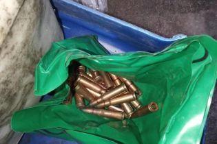 На Донеччині затримали військового, який сховав у колишньої дружини арсенал викраденої зброї