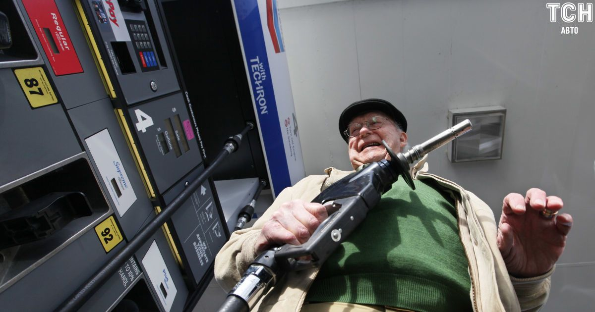 Водителям рассказали, как избежать перерасхода топлива автомобилем